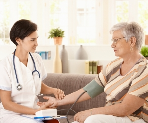 elderly-in-home-care-nurse-care-connectionn