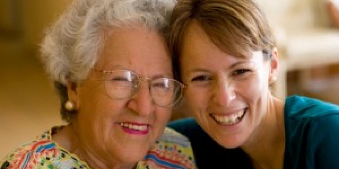 How to Help an Aging Parent With Choosing A Caregiver